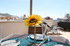 Comedor en la terraza Daryl.