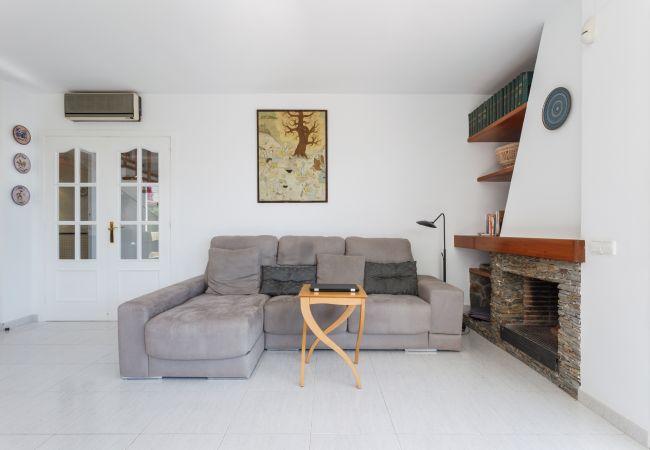 Villa in Sitges - VILLA FLORA